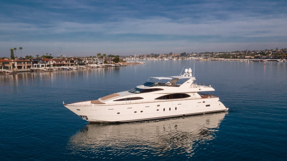 100' Azimut Newport Beach Yacht Rental