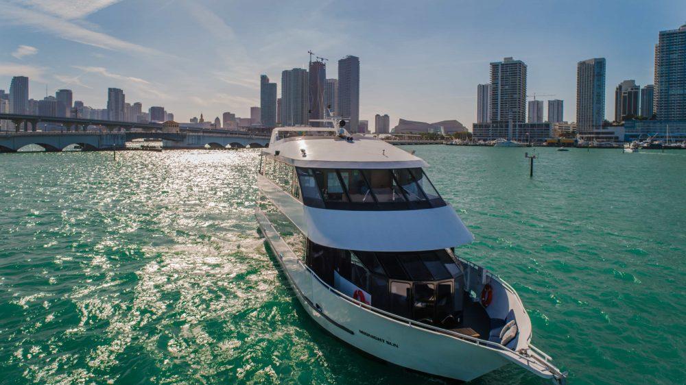 100' Miami Beach Party Yacht Rentals