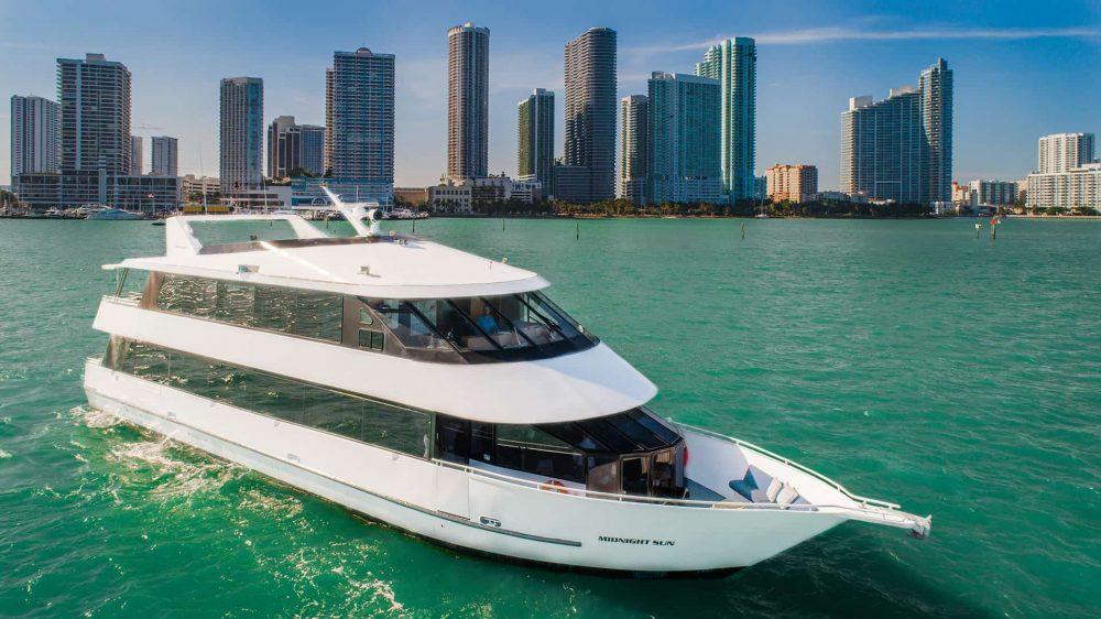 100' Miami Beach Party Yachts