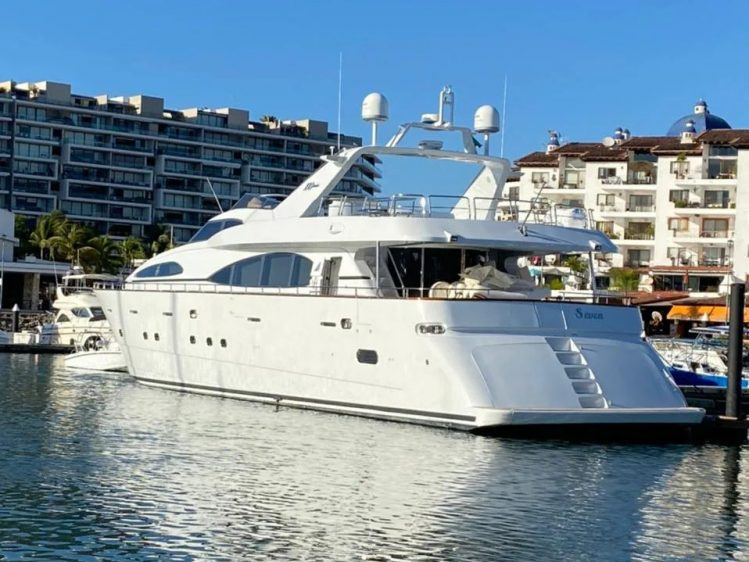 Cabo luxury yacht charter