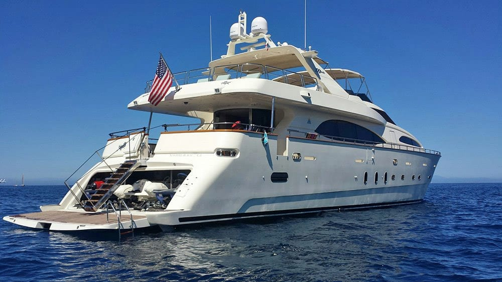 101' Azimut Newport Beach Luxury Yacht Stern