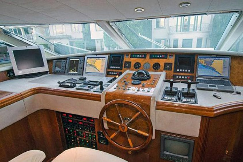 101' Azimut Newport Beach Luxury Yacht Main Helm