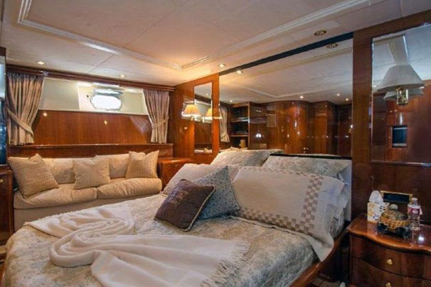 101' Azimut Newport Beach Luxury Yacht Stateroom