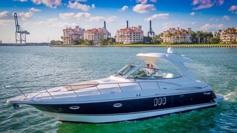 43' Cruiser Yacht Rental Miami Beach