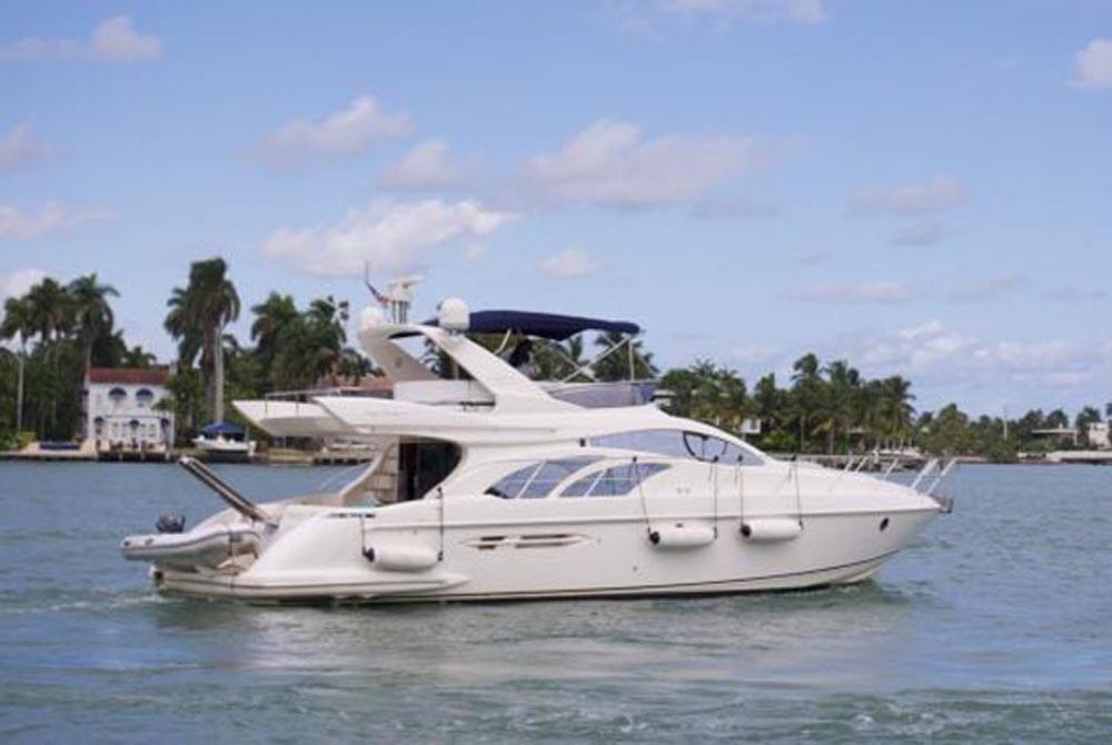 50' Azimut Flybridge Miami YachtCharters
