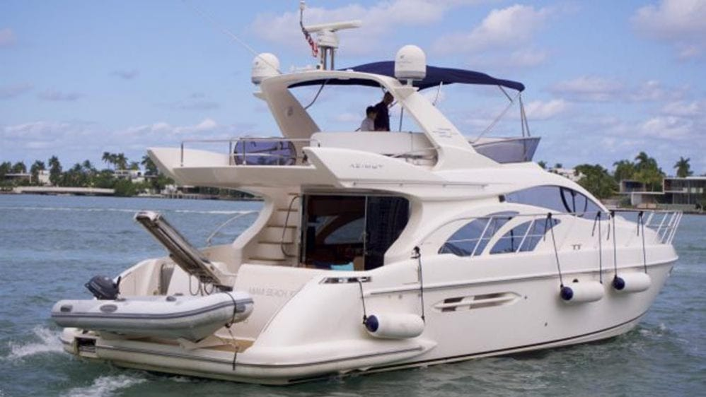 50' Azimut Flybridge Miami YachtCharters Stern