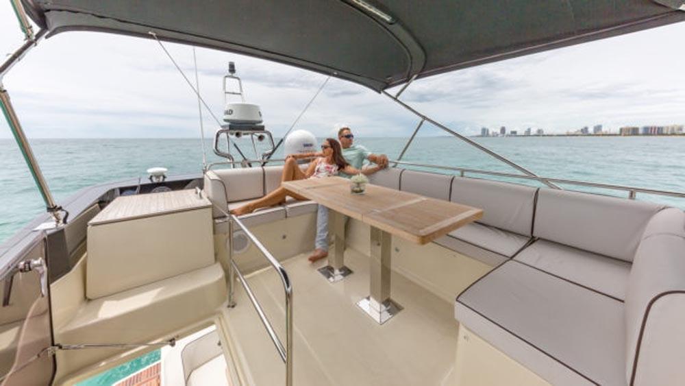 55' Monte Carlo Miami Yacht Charter Flybridge