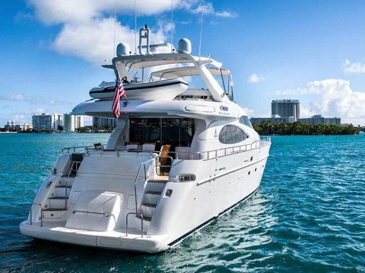 Luxury Boat Rentals in Miami Beach