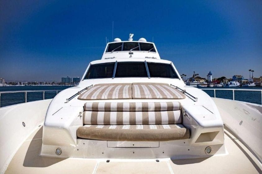 Fort Lauderdale Yacht Rental 93' Horizon Bow Lounge