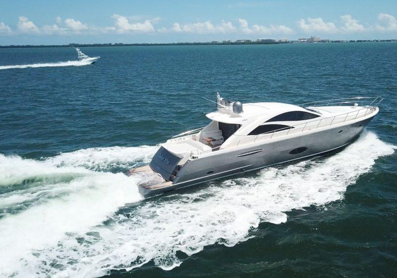 70′ Uniesse Yacht