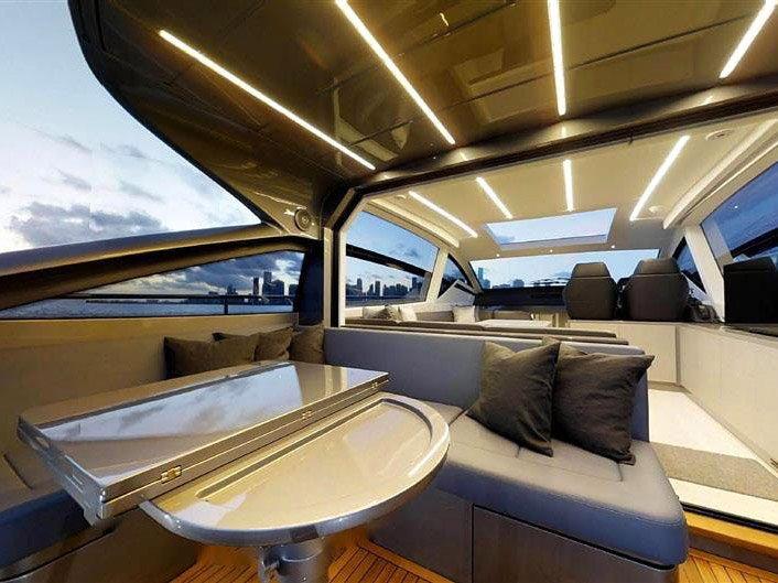 Luxury Boat Rentals in Los Angeles