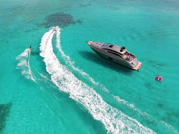Luxury Boat Rentals near Los Angeles