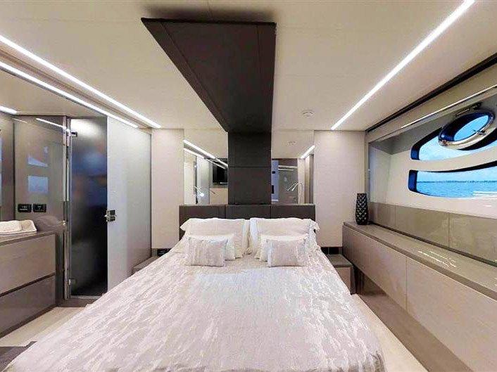 Luxury Yacht Charter near Los Angeles