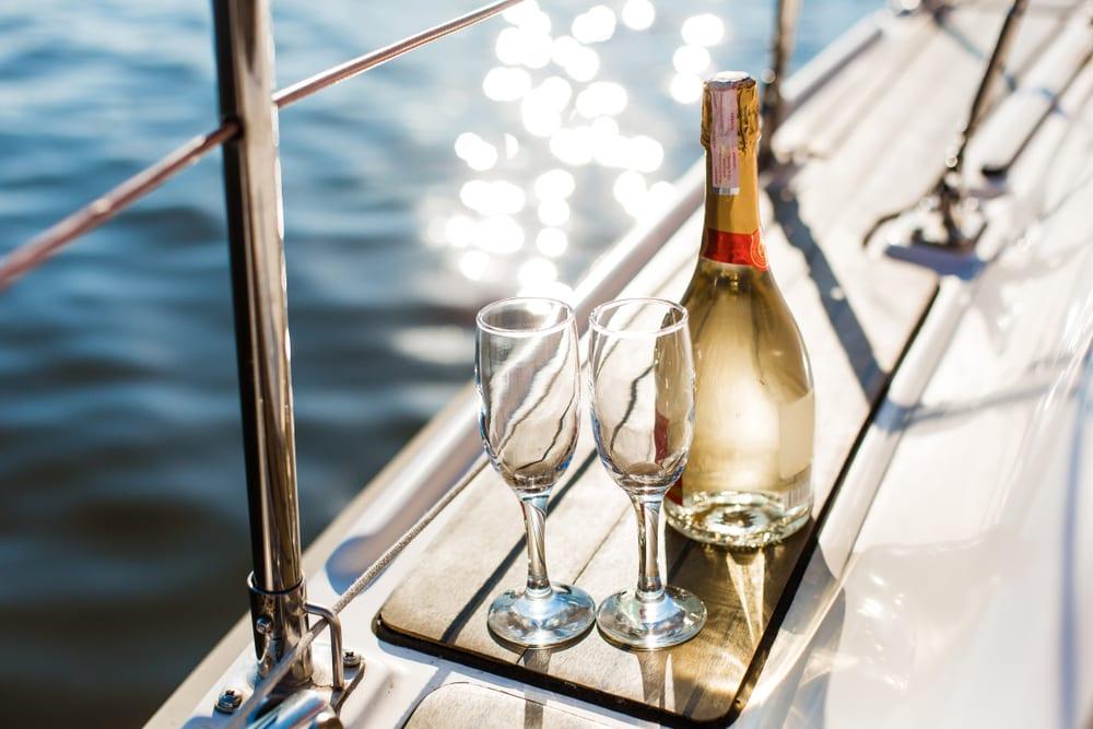 Bahamas-yacht-charter-romantic