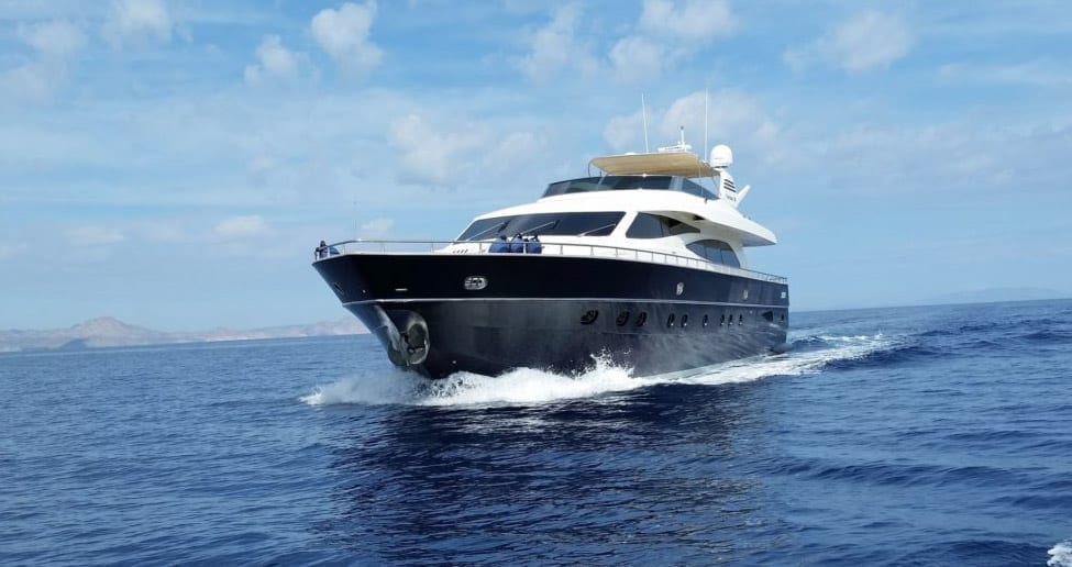 Cabo luxury yacht rental 93' Canados