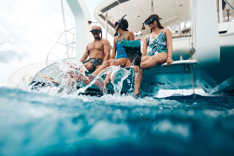 Charter a yacht catamaran in Hawaii