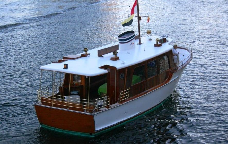 Deerfield Beach yacht charter 44' Shuttlecraft starboard Aft