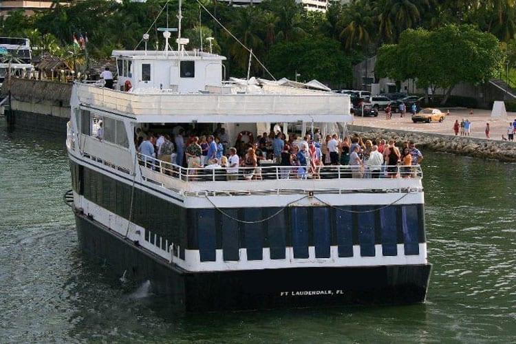Ft. Lauderdale Yacht Rentals 130' Chesapeake Stern