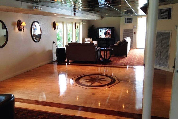 Ft. Lauderdale Yacht Rentals 130' Keith Marine Lounge