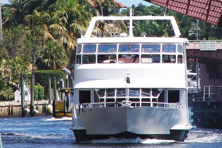 Ft. Lauderdale Yacht Rentals 80' Skipperliner