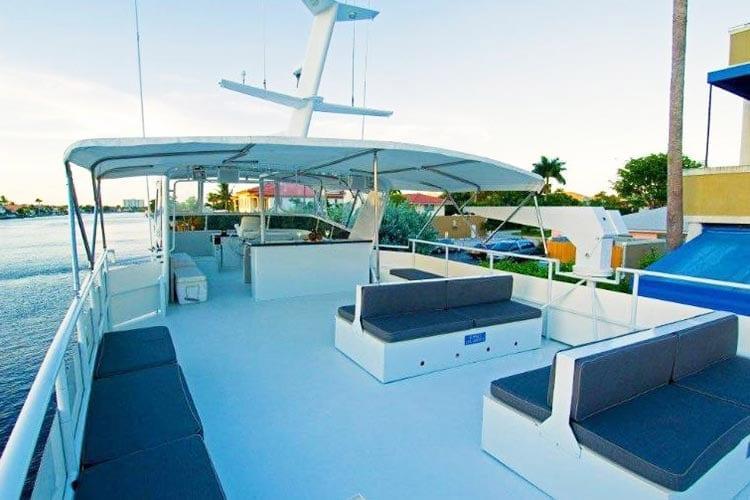 Ft. Lauderdale Yacht Rentals 91' Striker Upper Deck