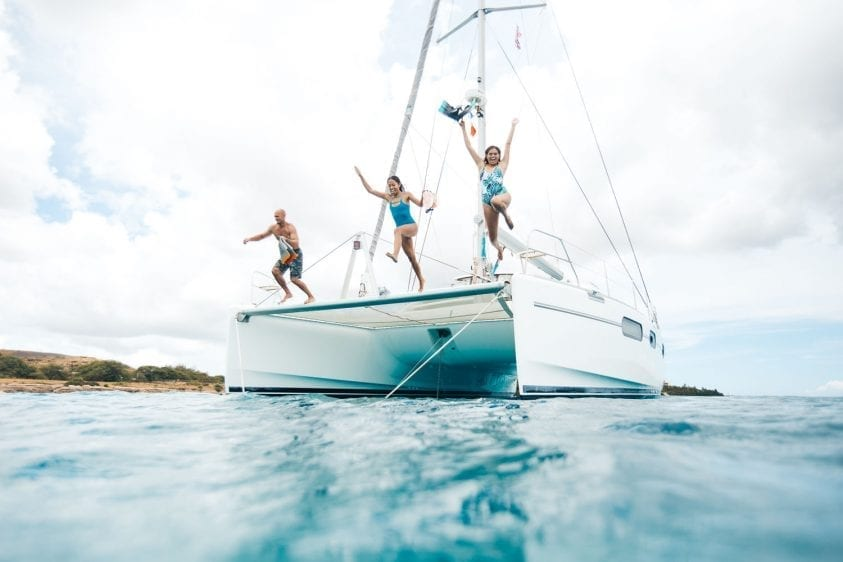 Hawaii Catamaran Charter a Yacht in Oahu