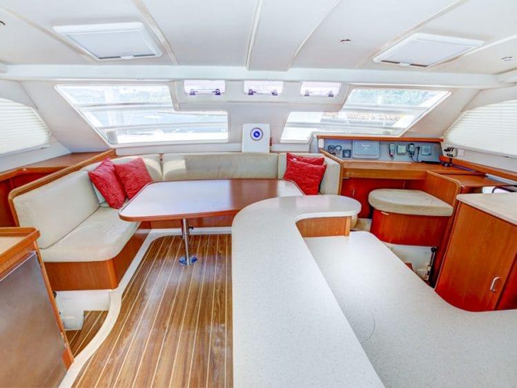 Hawaii Catamaran Yacht Rental