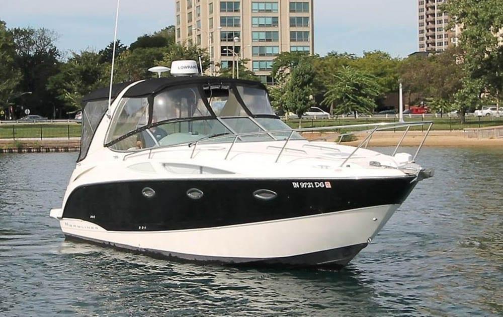 Hawaii Yacht Rental 31' Bayliner