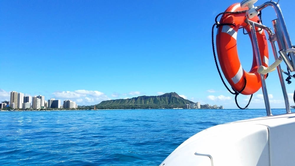 Hawaii Yacht charters 38' Lotus Lagoon Diamond Head View