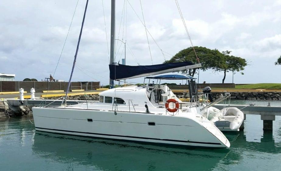 Hawaii Yacht Rentals 38' Lotus Lagoon Dockside