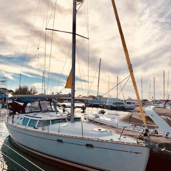 Hawaii Yacht Rentals 43' Jeanneau