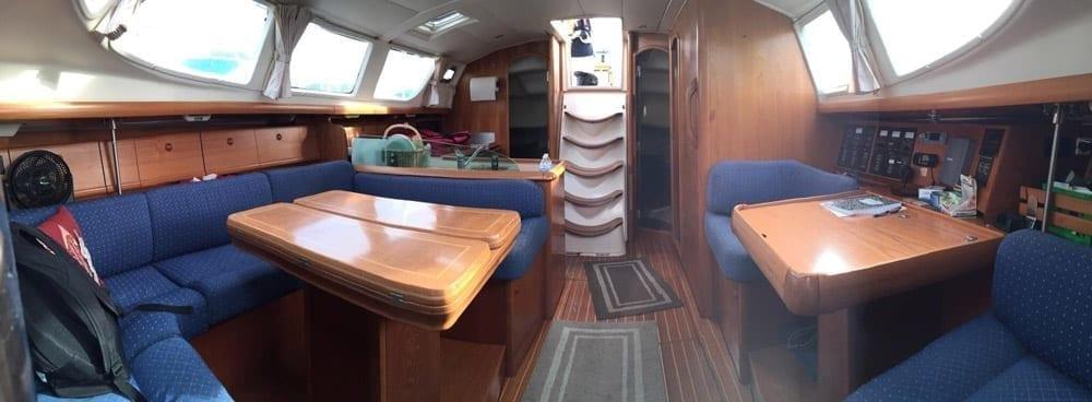 Hawaii Yacht Rentals 43' Jeanneau Interior