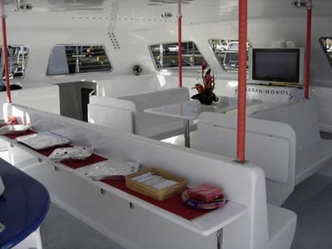 Hawaii Yacht Rentals 64' Gold Coast Interior Seating