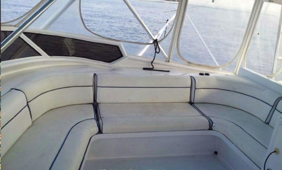 Hawaii Yacht Rentals 74' Striker Upper Deck Seating