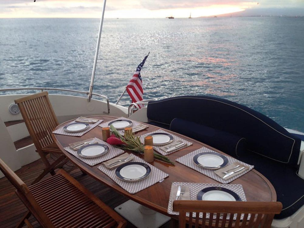 Hawaii luxury charter 75' Sunseeker Aft Dining