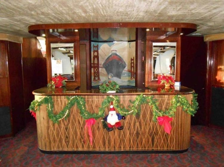 Long Beach Yacht Rentals 67' Westport Festive Bar