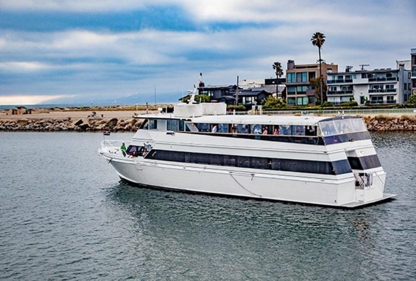 Los Angeles Yacht Rentals 105' Breaux Port Profile