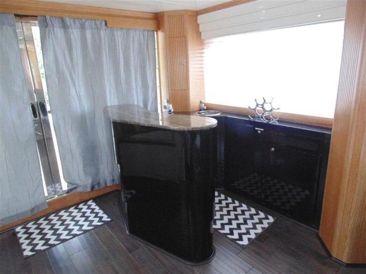 Marina Del Rey Yacht Rentals 100' Azimut Bar