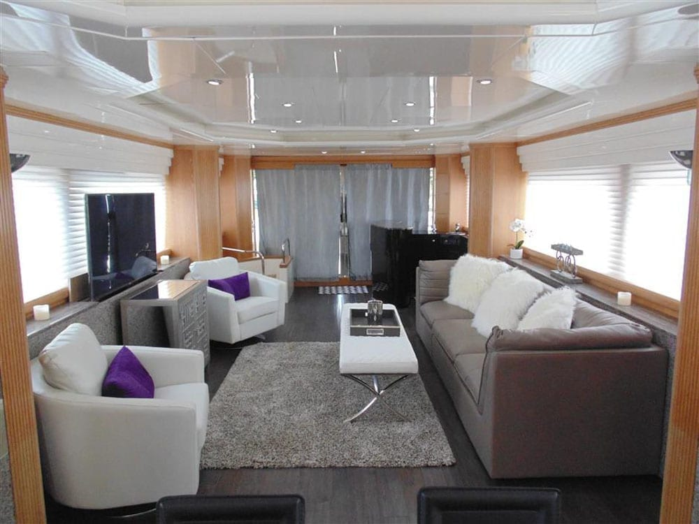 Yacht charter los angeles 100' Azimut Salon