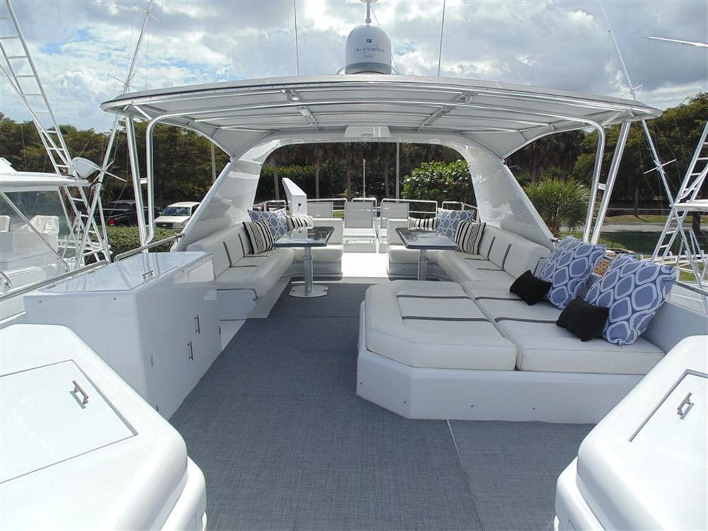 Yacht charter los angeles 100' Azimut Upper Deck
