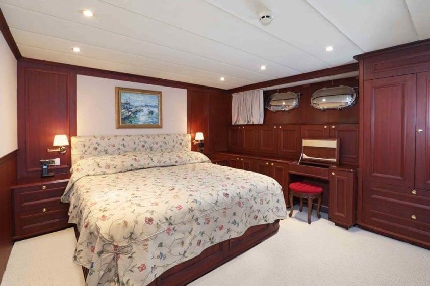 Marina Del Rey Yacht Rentals 125ft Yacht 11