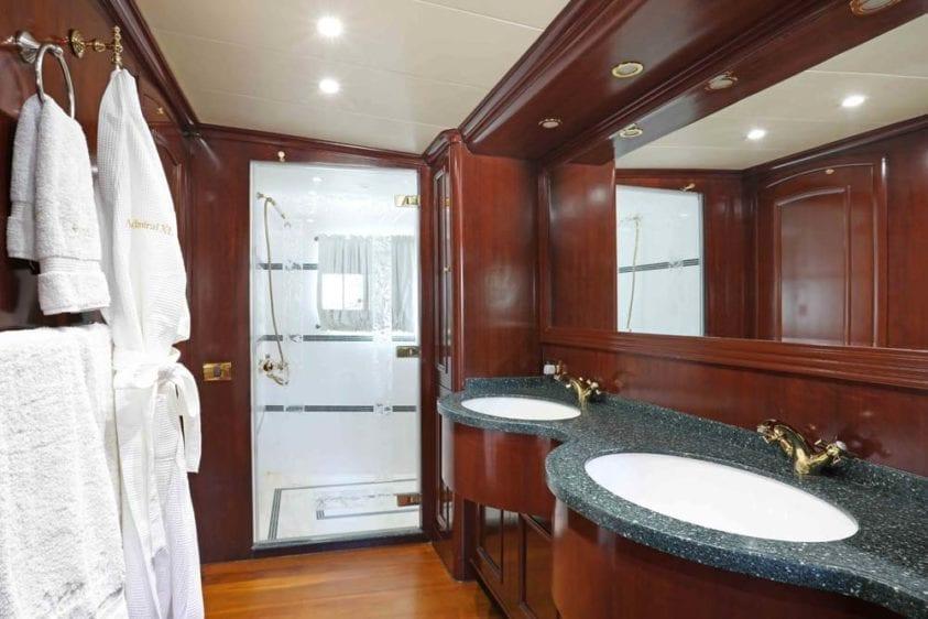 Marina Del Rey Yacht Rentals 125ft Yacht 12