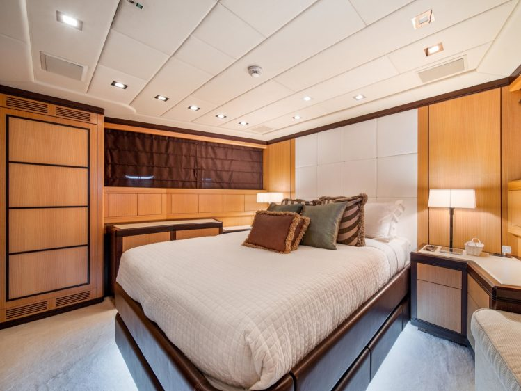 Miami Beach Super yacht charter guest room