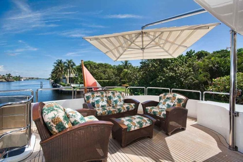 Miami Yacht Rental 116' Benetti Lounge