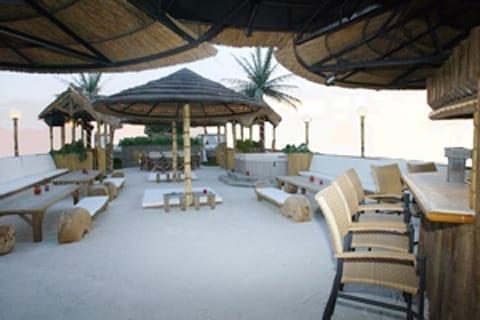 Miami Yacht Rentals 100' Party Boat Beach Bar