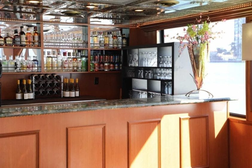 Miami Yacht Rentals 100' Skipperliner Full Bar