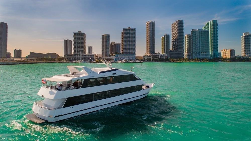 Miami Yacht Rentals 100' Skipperliner Stern