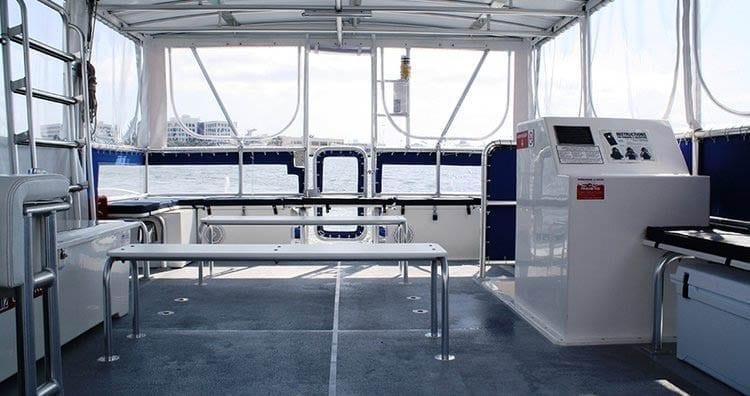 Miami Yacht Rentals 40' Corinthian Seating