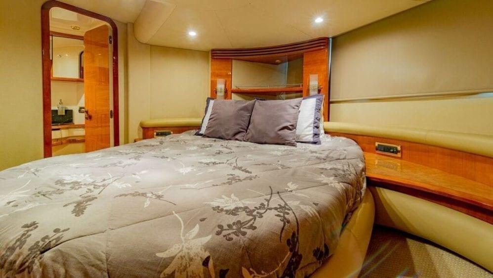 Miami Yacht Rentals 55' Azimut Stateroom