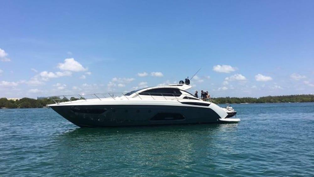 Miami Yacht Charter 62' Azimut